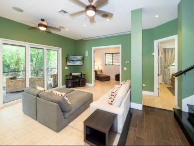 Cayman Island Four Bedroom Villa Sleeps 10 Private Pool