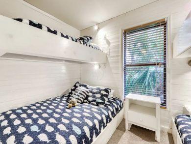 Beachfront Three Bedroom Vacation Home in Port St. Joe