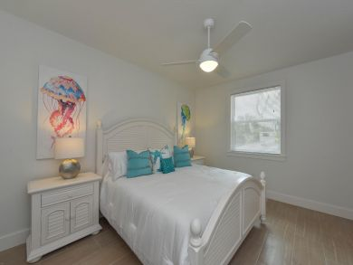 Lido Key Vacation Home Walk to St Armands