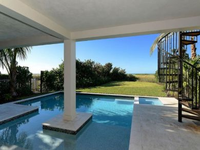 Four Bedroom Longboat Key On Beach with Views