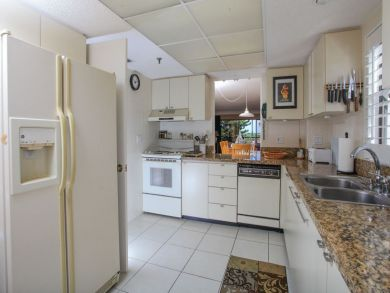 Lido Key Corner Unit with Lanai Great Rental