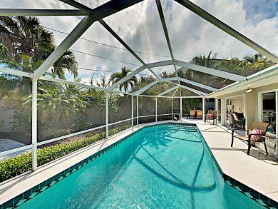 Lido Key Three Bedroom Home on St. Armand' Private Pool