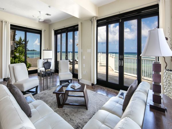 Oceanfront Vacation Home Sleeps 5 Guests