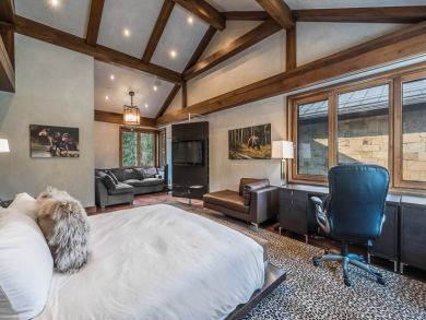 Vail 8 Bedroom Luxury Vacation Home Sleeps Sixteen Guests.