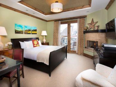 Vail Four Bedroom Vacation Condo Sleeps Ten Guests.