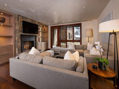 4 Bedroom Vail Vacation Condo Plus Den.