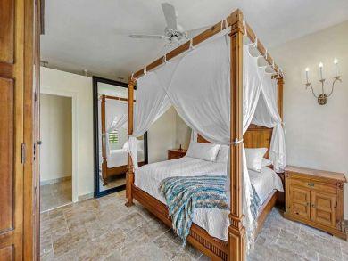 6 Bedroom Saint Martin Vacation Home Plus Cottage.