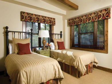 Walk to Slopes Two Bedroom Condo in Aspen