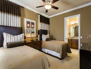Luxury Golf Course Views 4 Bedroom Vacation Villa in Orlando