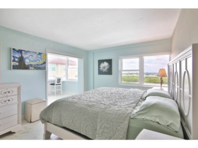 Lido Key Vacation Condo Sleeps Four Guests Penthouse