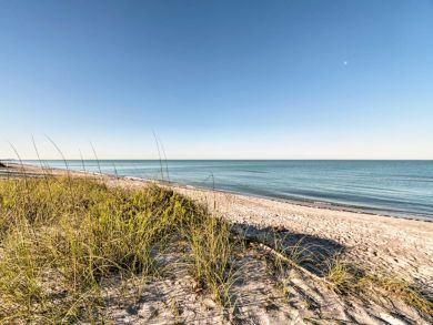 Longboat Key Vacation Home Sleeps Four Short Walk to Beach