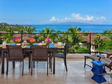 Luxury Oceanfront Vacation Home Maui