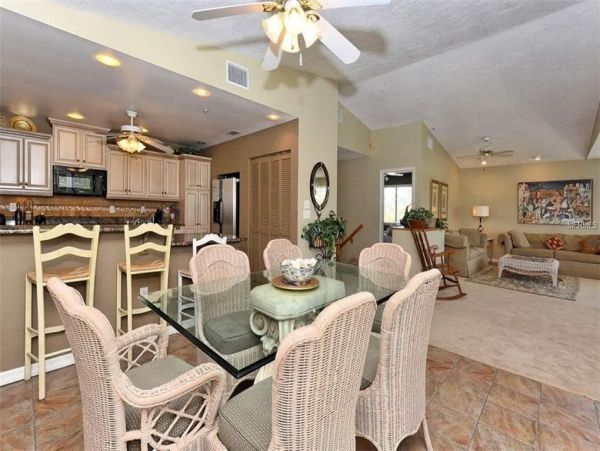 Canal Front 5 Bedroom Family Vacation Pool Home Sleeps 10