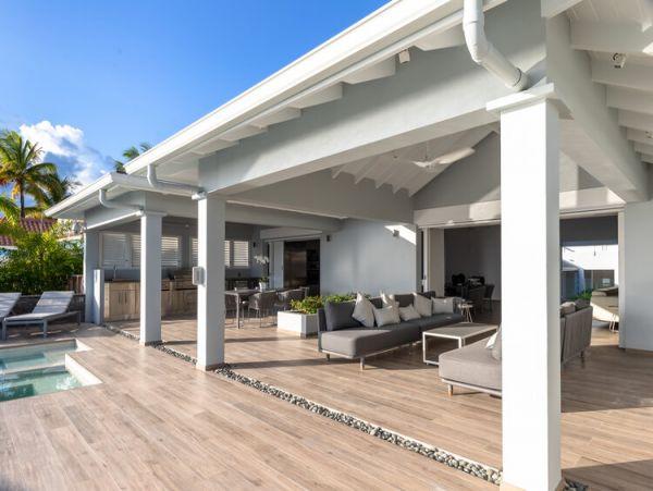 Four Bedroom Antigua Vacation Villa on the Beach Sleeps 8