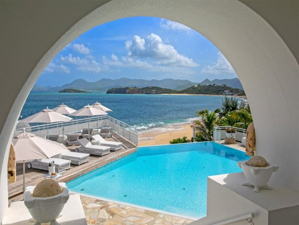 On Beach Saint Maarten Luxury Vacation Home with 2 Pools