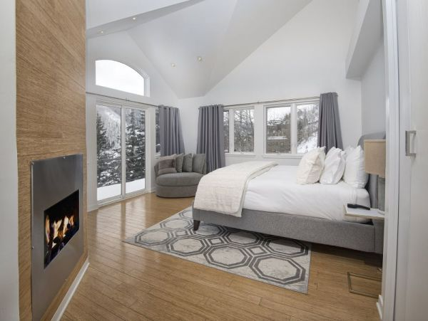 Luxury Mountain View Vail Vacation Home Walk to Lift