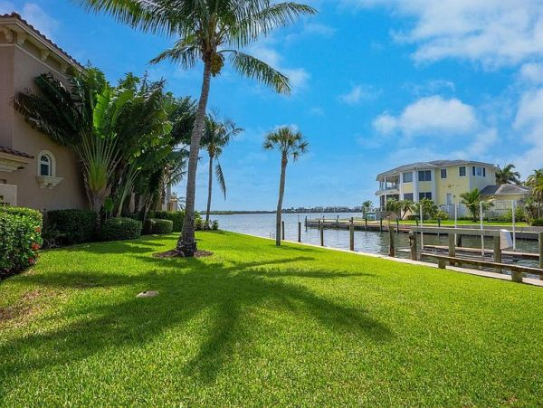 Exquisite Bayfront Vacation Home 10 Guests