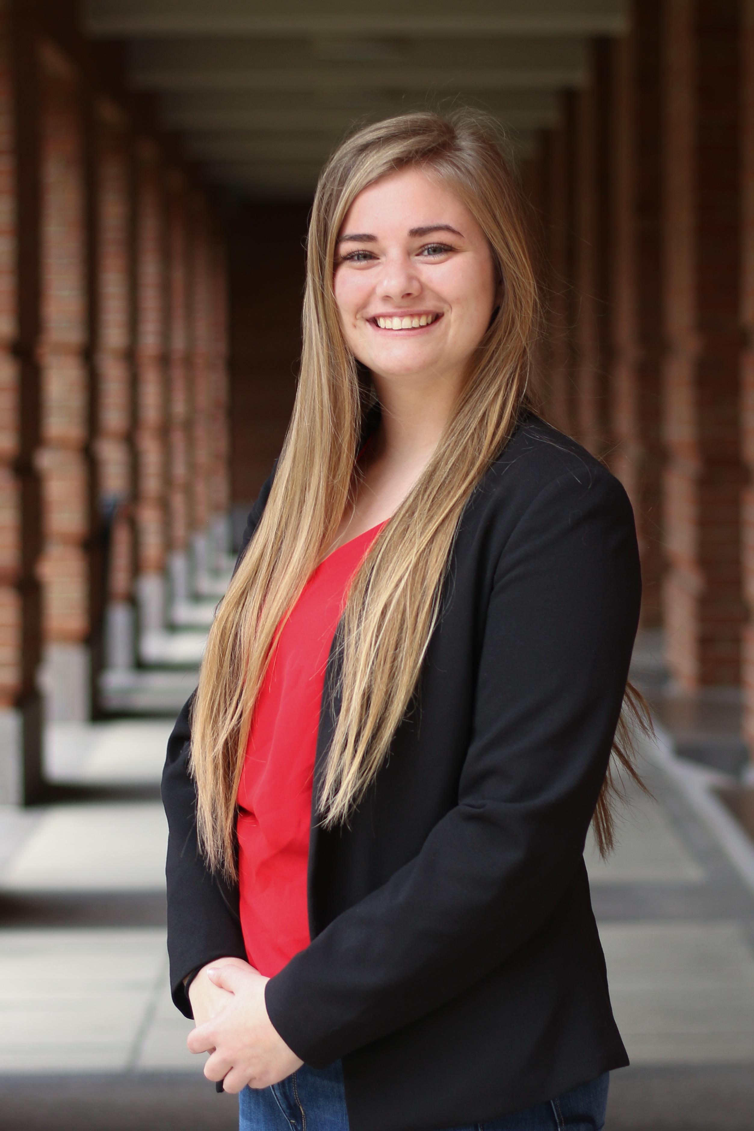 Lexie Smith - Portrait 2