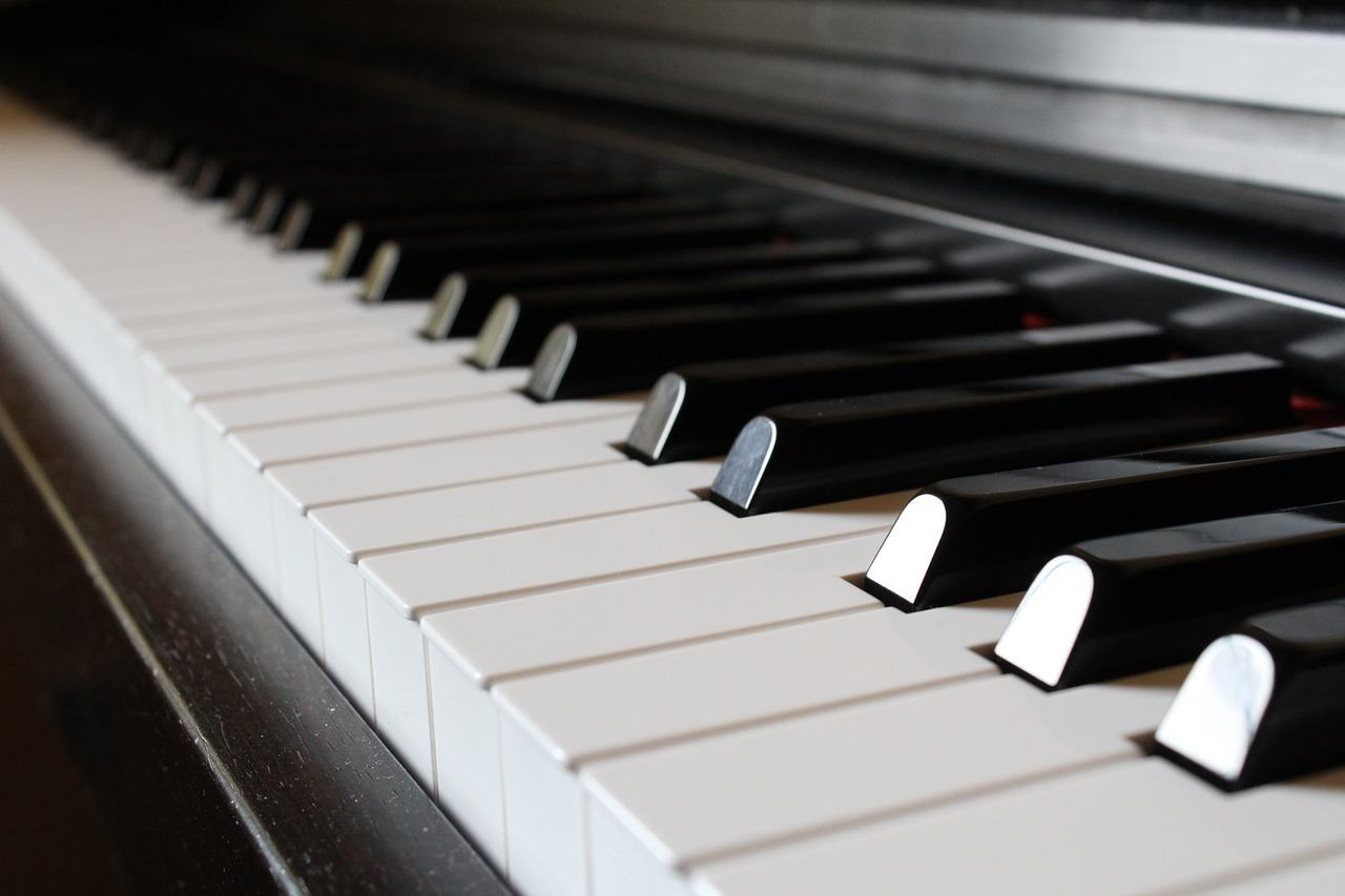 Music - Piano, organ and other keyboards