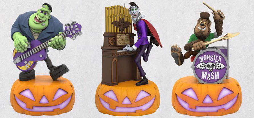 Hallmark Christmas Ornaments 2019.Hallmark S 2019 Spooky Christmas Ornaments Horrorhound