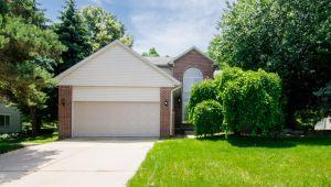 45063 Lindsey Drive, Belleville, MI, 48111