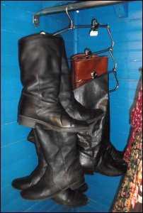 boots de-clutter clutter