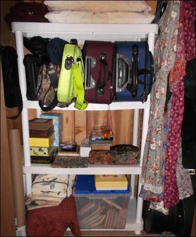 closet de-clutter clutter