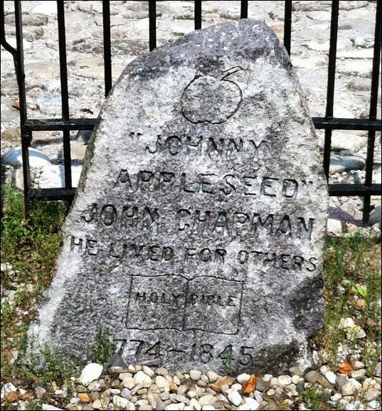 Johnny Appleseed tombstone