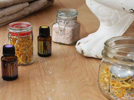 DIY bath products, homemade bath products, homemade soap, make your own shampoo, bath salts, natural bath products