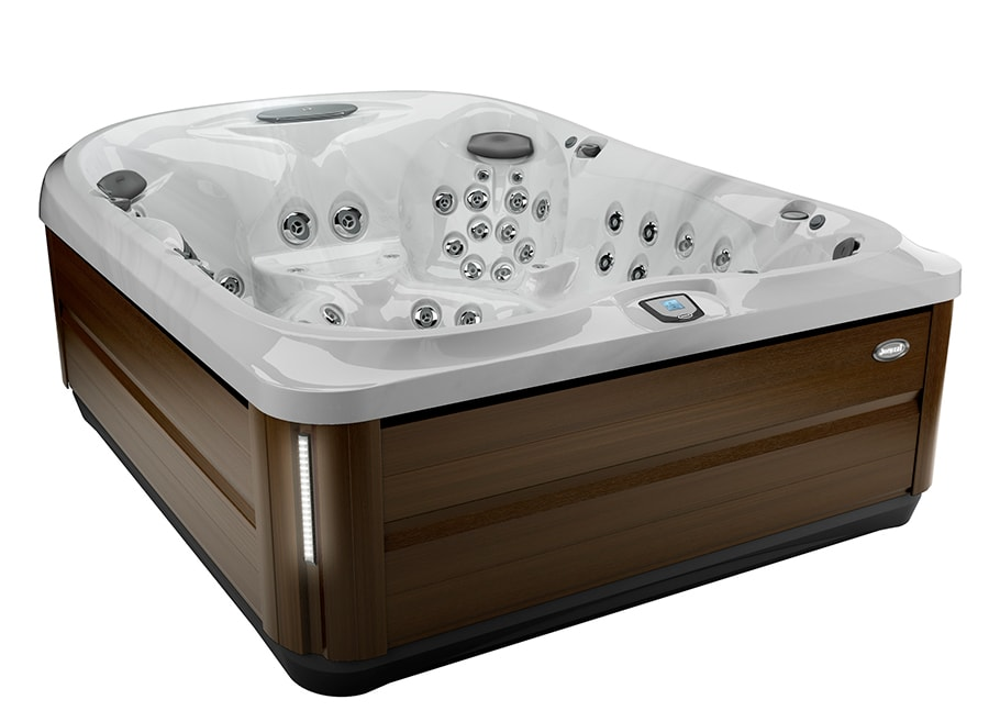 J-495™ hot tub in Manitoba