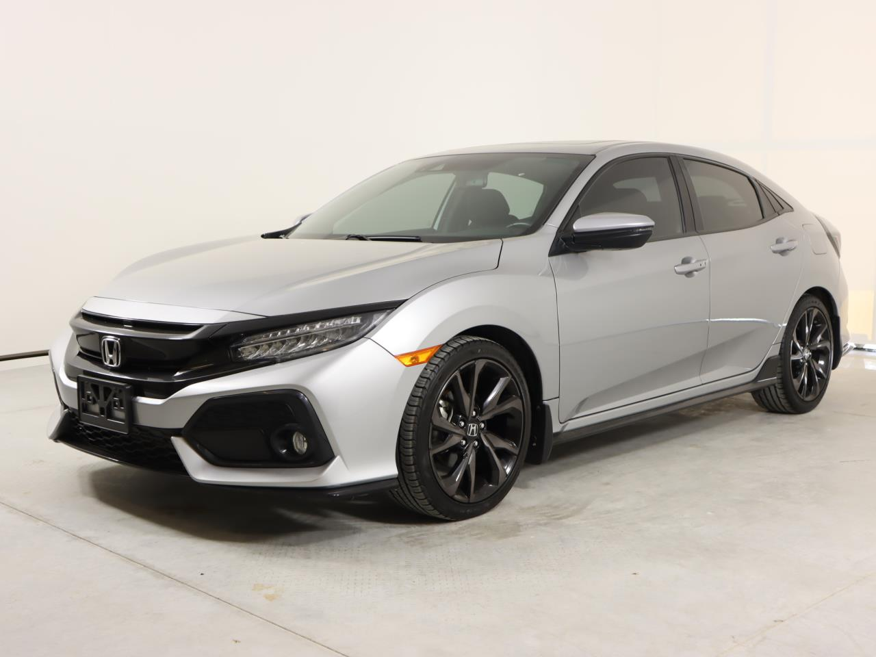 used vehicle - Sedan HONDA CIVIC HATCHBACK 2017