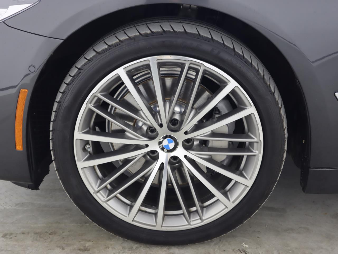 used vehicle - Sedan BMW 5 SERIES 2017