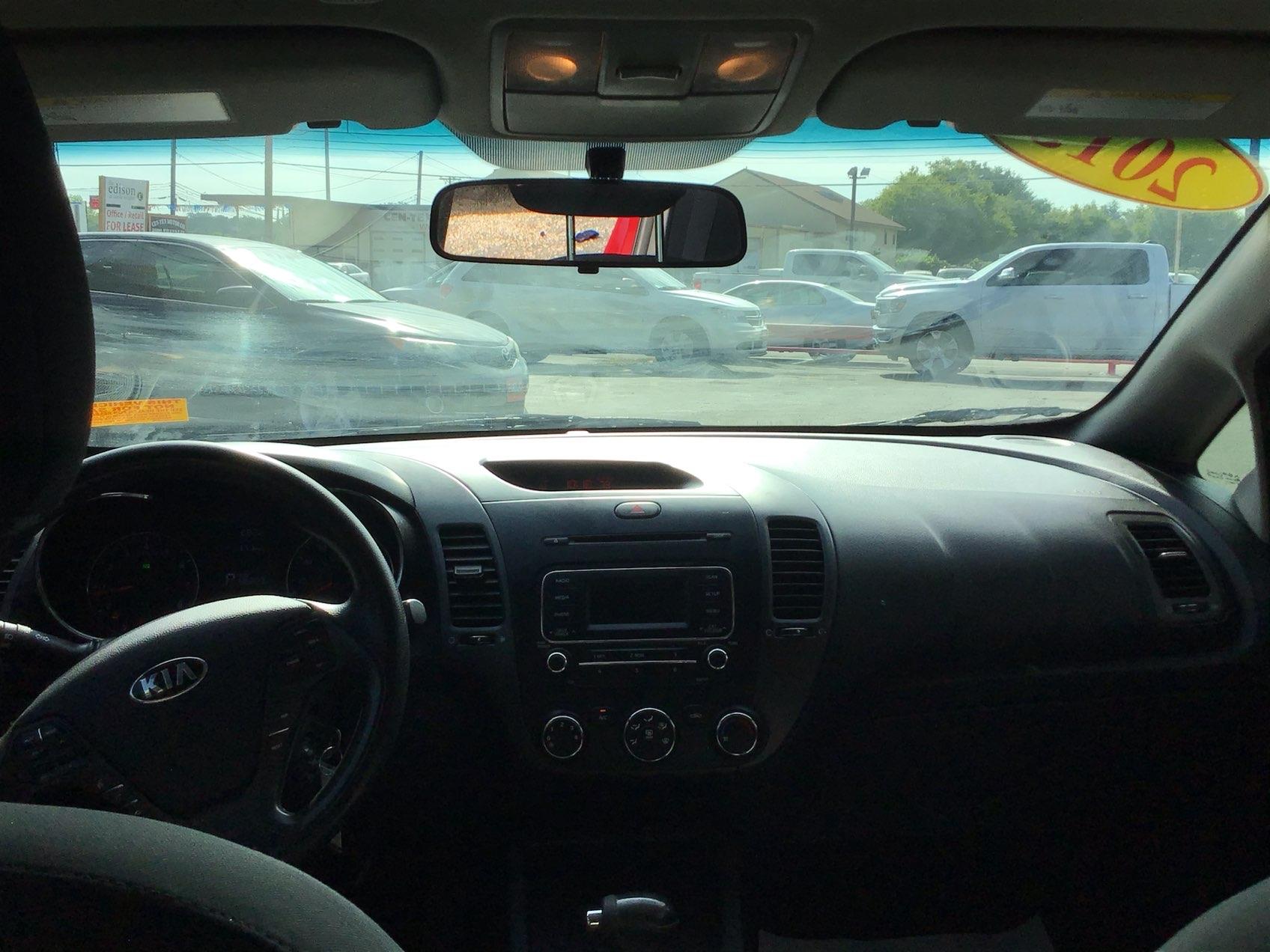 used vehicle - 4 DOOR SEDAN KIA FORTE 2014