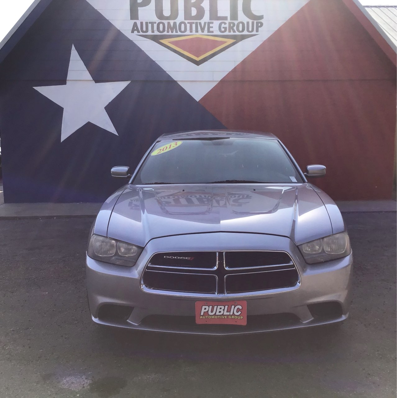 used vehicle - 4 DOOR SEDAN DODGE CHARGER 2013