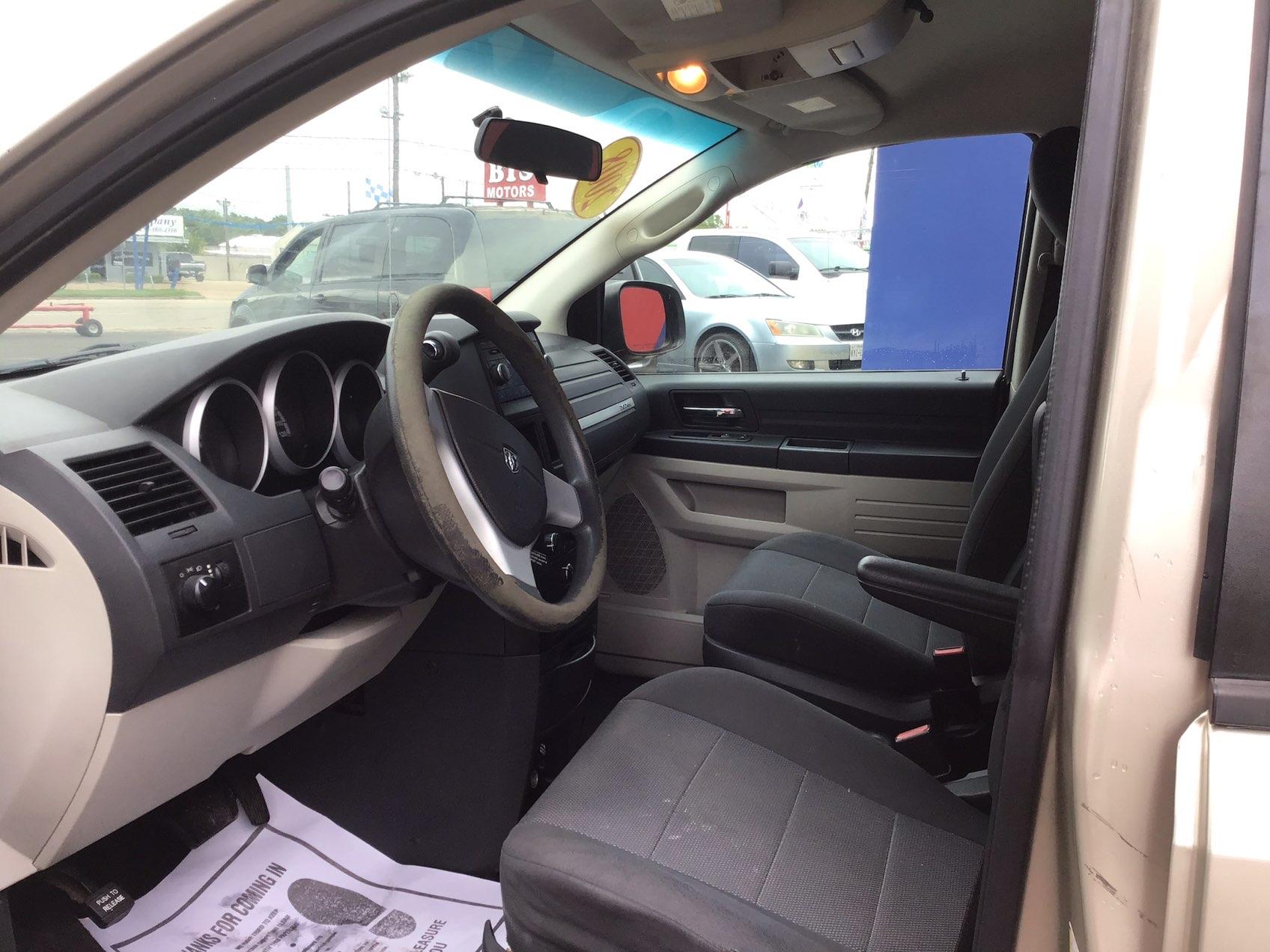 used vehicle - 4 DOOR VAN; EXTENDED DODGE GRAND CARAVAN 2008