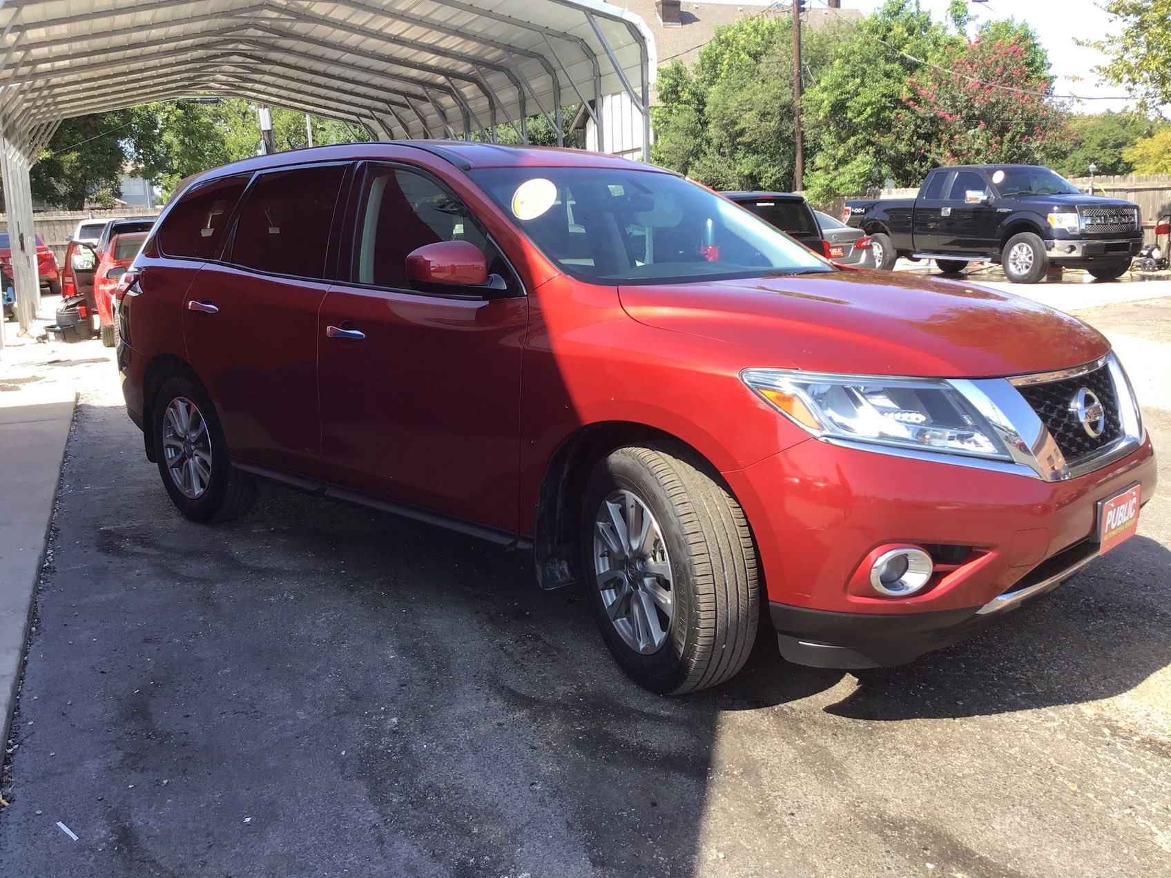 used vehicle - SUV NISSAN PATHFINDER 2015