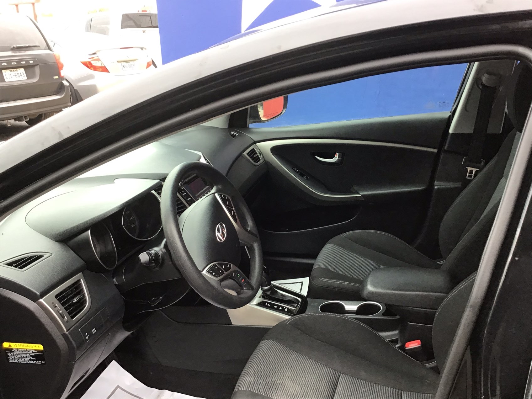 used vehicle - Sedan HYUNDAI ELANTRA GT 2016