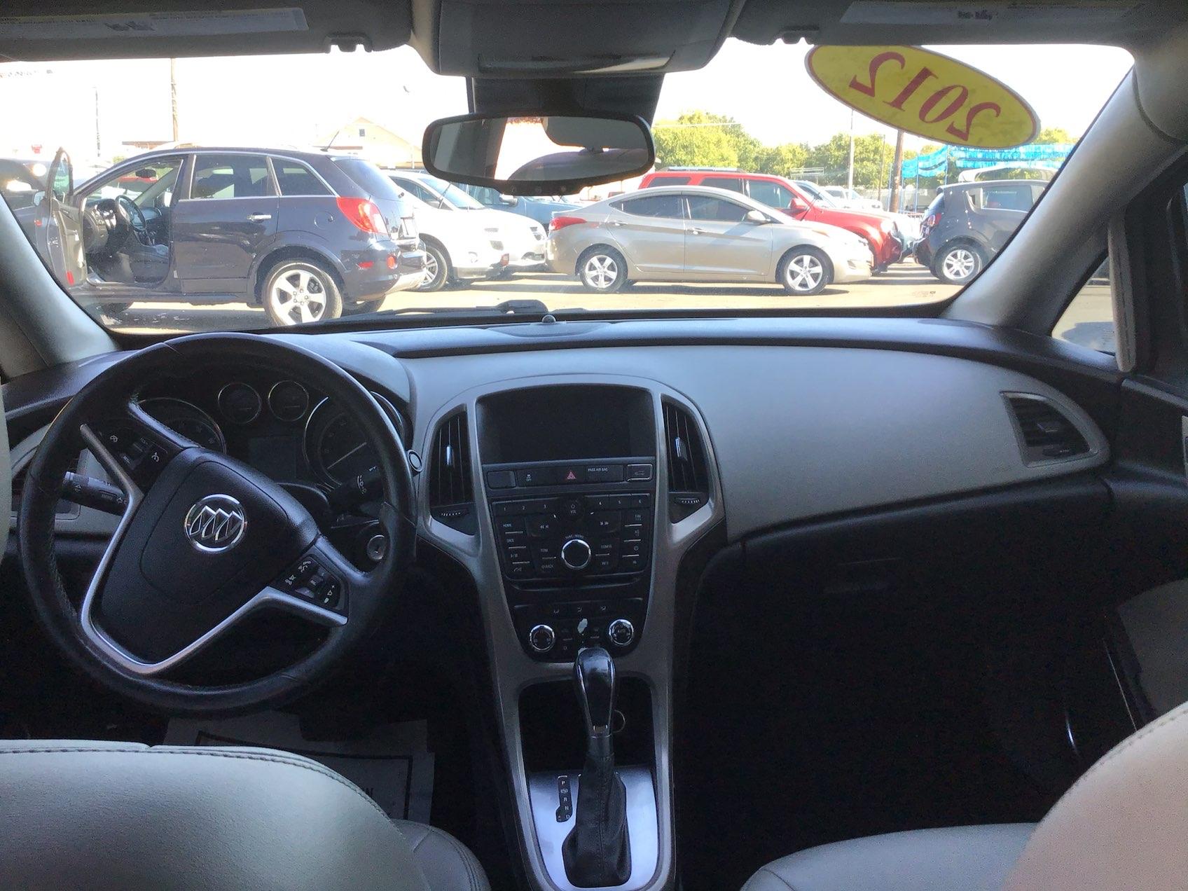 used vehicle - Sedan BUICK VERANO 2012