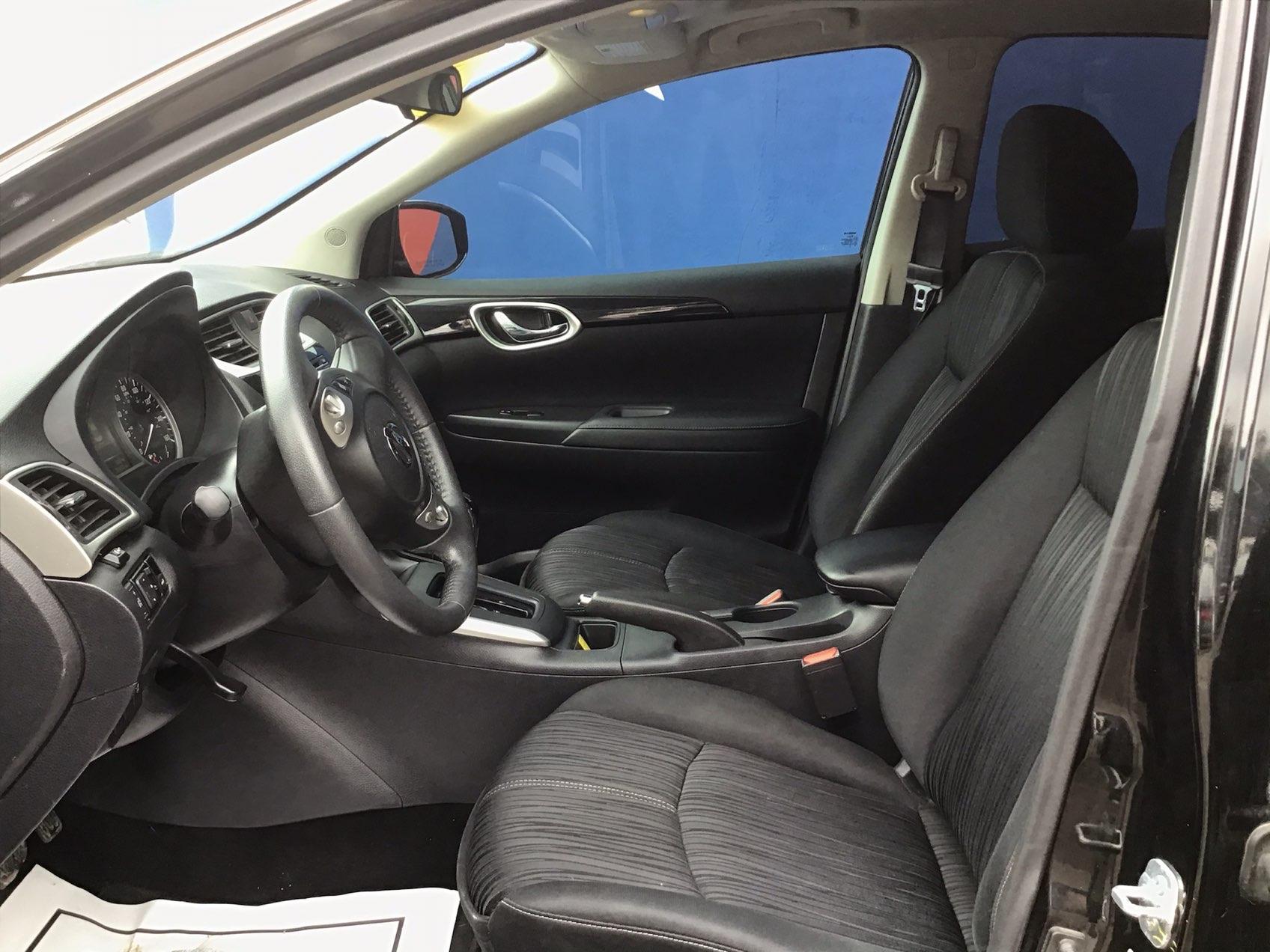used vehicle - Sedan NISSAN SENTRA 2017