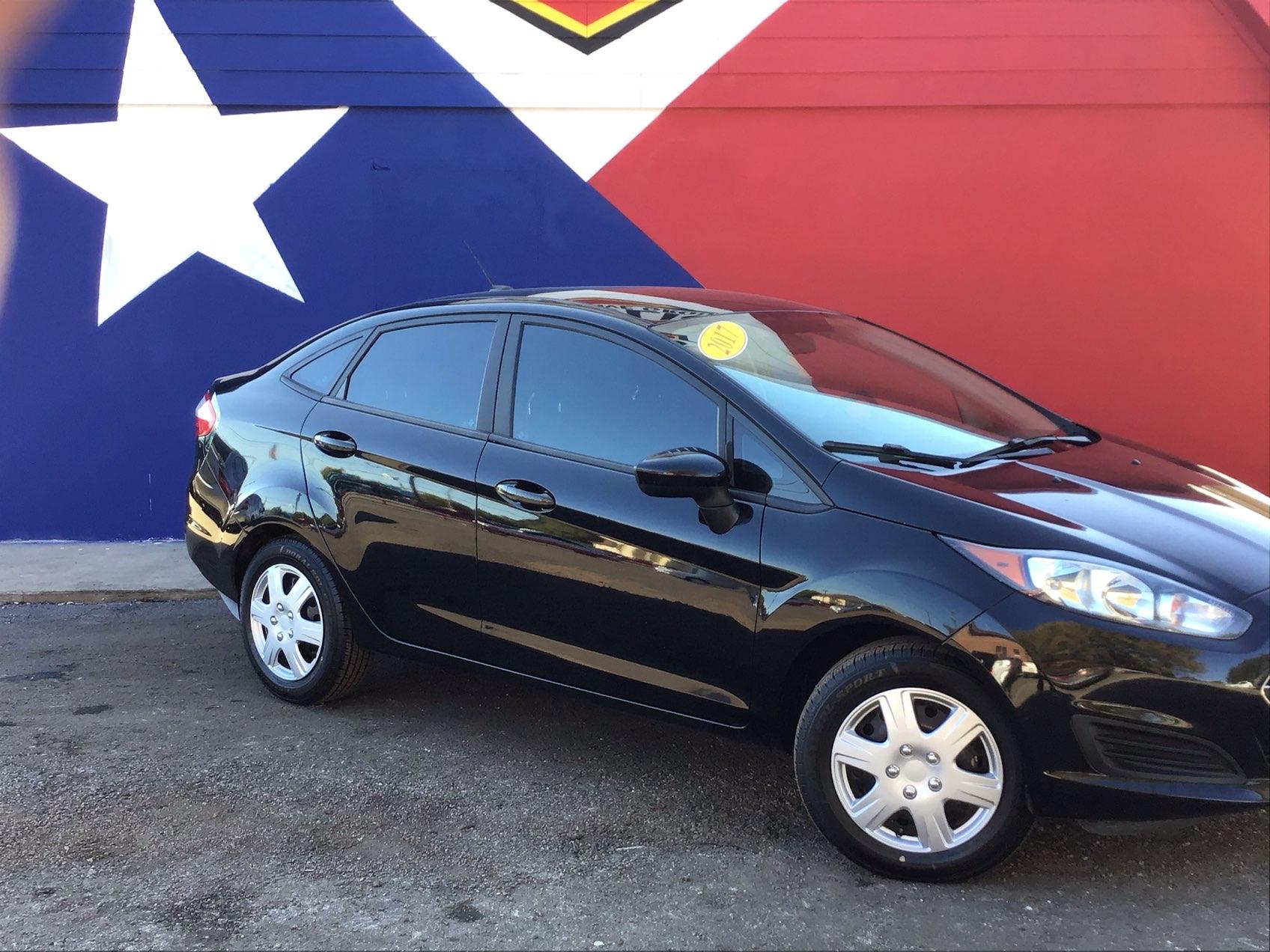 used vehicle - Sedan FORD FIESTA 2017