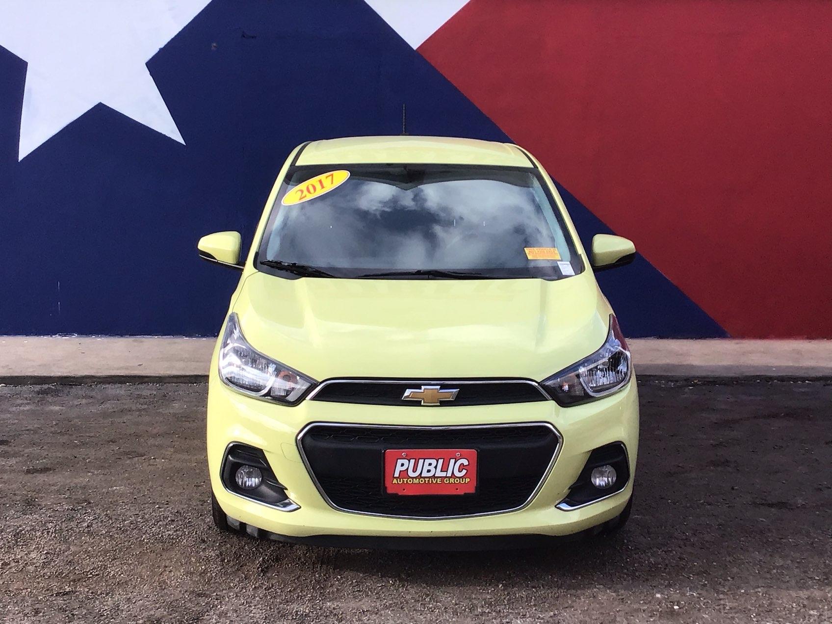 used vehicle - Sedan CHEVROLET SPARK 2017