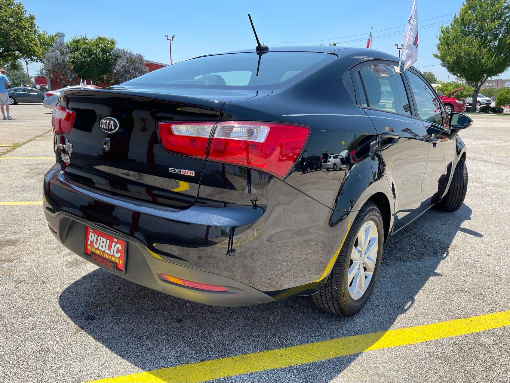 used vehicle - Sedan KIA RIO 2014