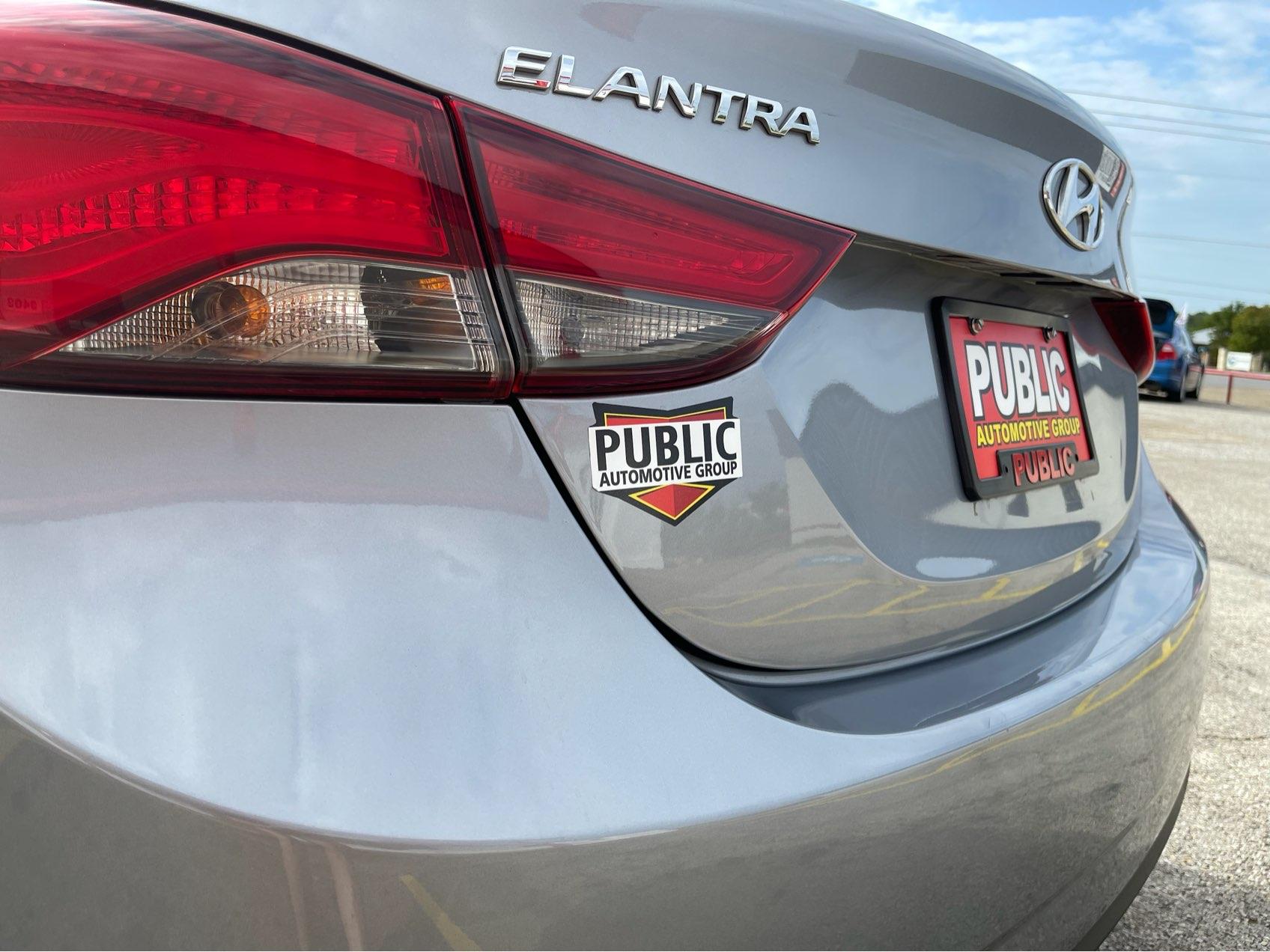used vehicle - Sedan HYUNDAI ELANTRA 2016