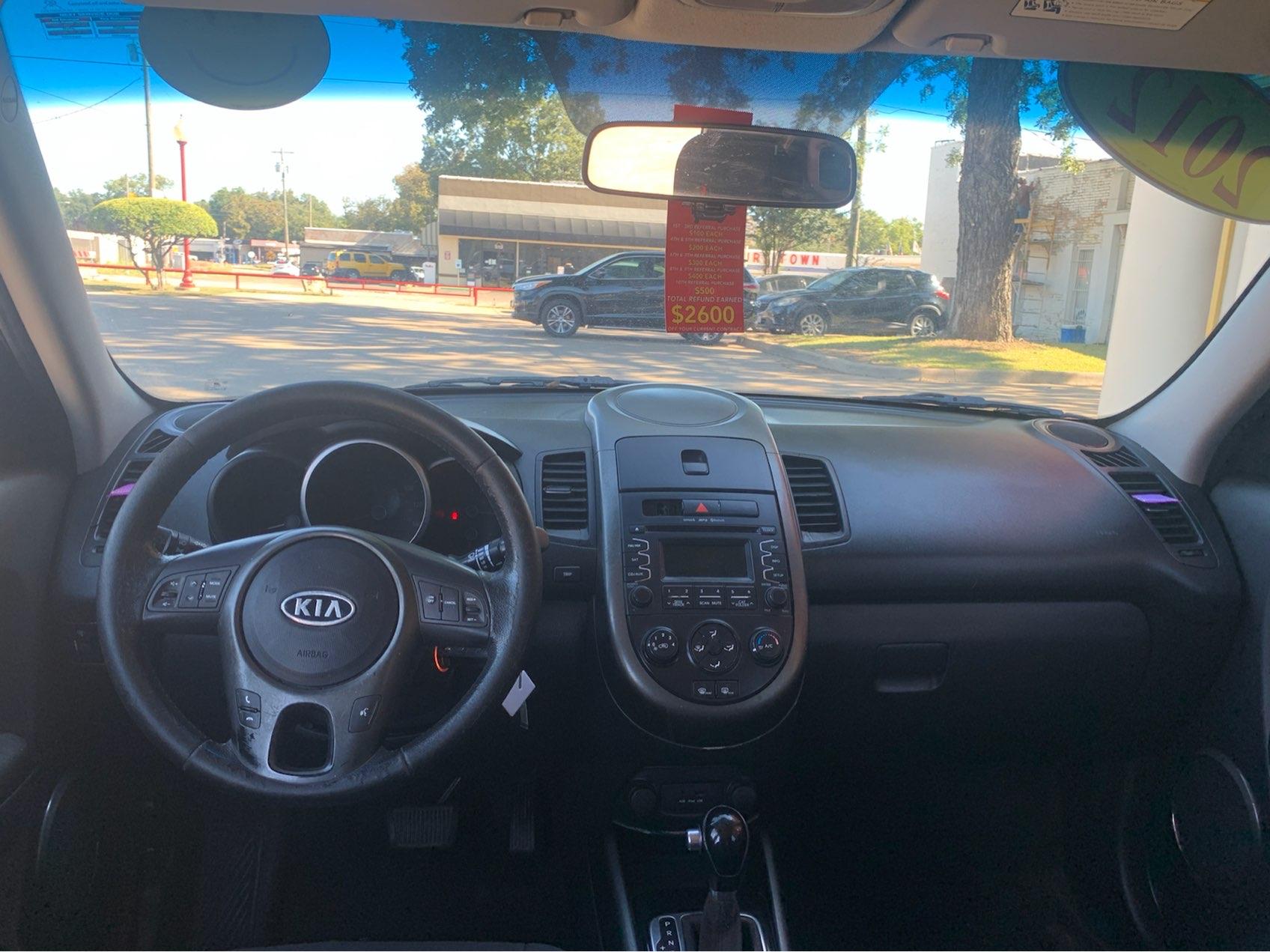 used vehicle - Sedan KIA SOUL 2012