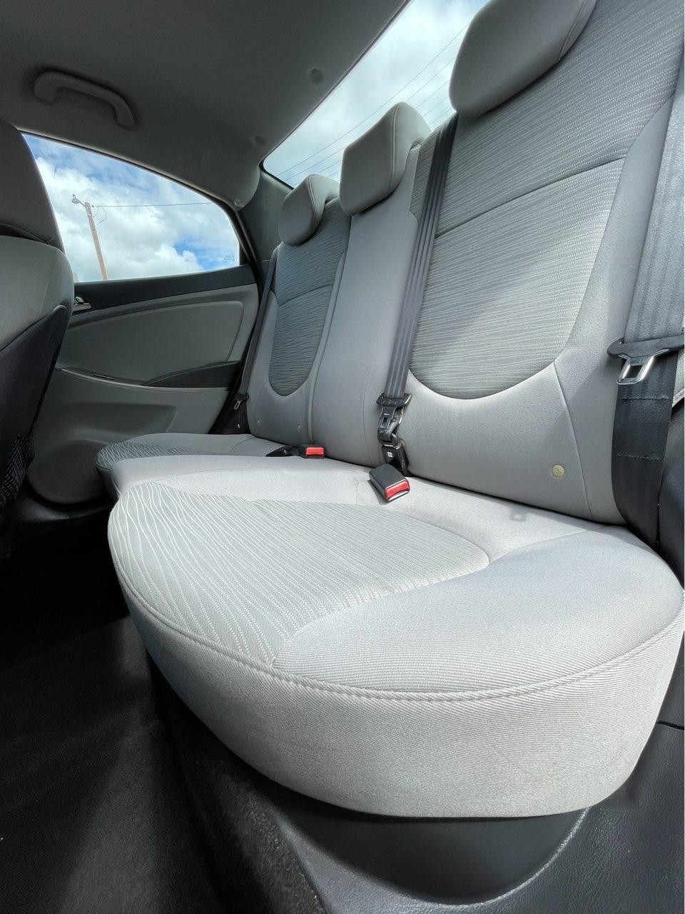 used vehicle - Sedan HYUNDAI ACCENT 2016