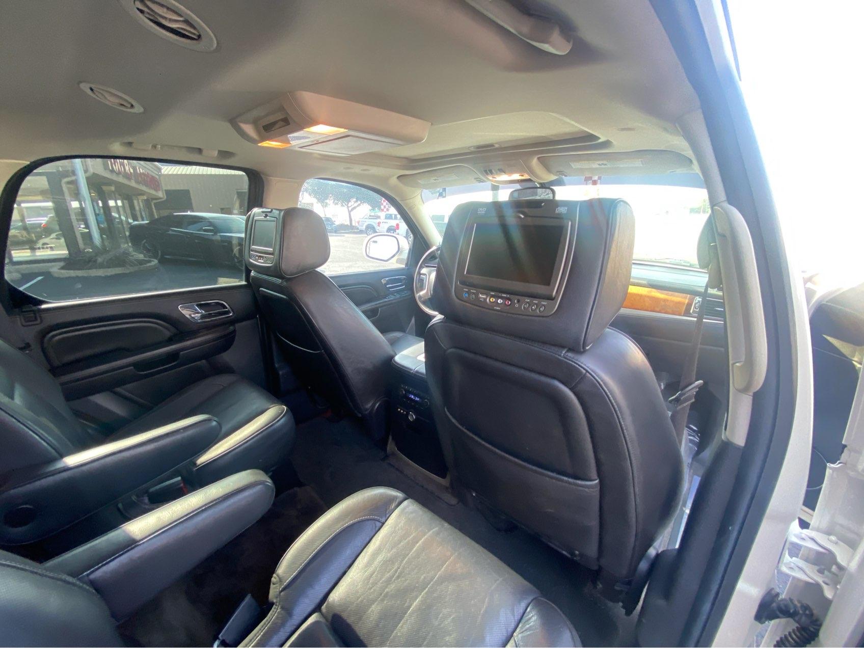 used vehicle - SUV CADILLAC ESCALADE 2013