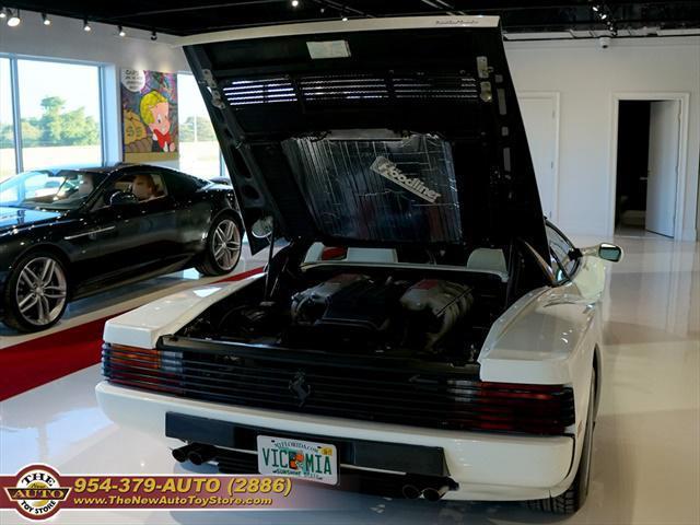 used vehicle - Coupe Ferrari Testarossa 1988