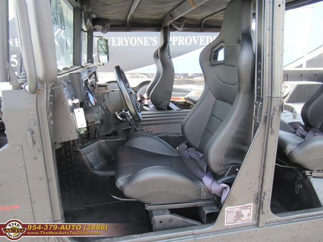 used vehicle - SUV AM General Hummer H1 1989