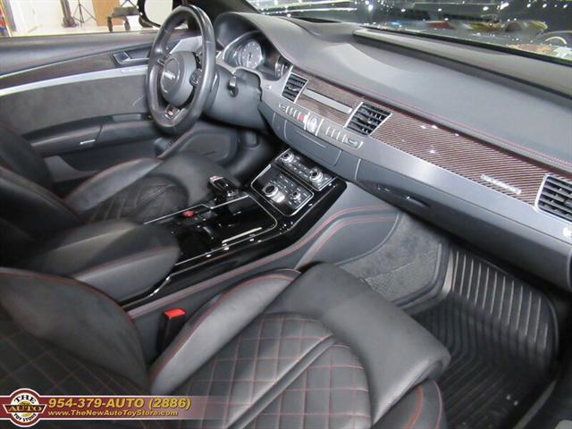 used vehicle - Sedan Audi S8 2017