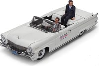 Lincoln Continental MKIII Open Convertible with John F. Kennedy and Driver Figures in 1:18 Scale by Sun Star